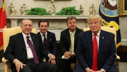 وزير الخارجية التركي يزعم: أمريكا تدعم تركيا في ليبيا و إدلب السورية