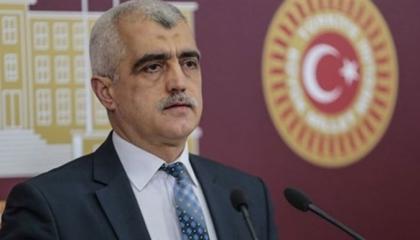 نائب «الشعوب» منتقدًا قانون التحقيقات الأمنية: حزب أردوغان يحارب الدستور