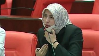 رواد السوشيال ميديا يهاجمون نائبة بحزب أردوغان بسبب تصريحات حول المرأة