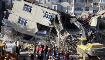 زلزال بقوة 5.4 ريختر يضرب جنوب شرق تركيا
