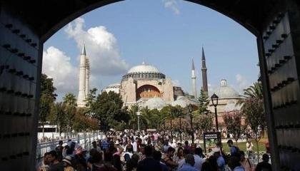 وزيرة الثقافة اليونانية: تحويل «آيا صوفيا» لجامع «إرساء للتعصب الديني»