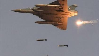 طيران الجيش الليبي يستهدف رتلًا تابعًا لميليشيات الوفاق شرق الشويرف