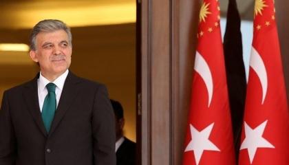 عبد الله جول ينتقد سياسة الاقتراض.. ويؤكد: النظام البرلماني الأنسب لتركيا