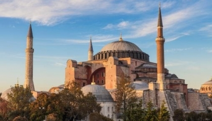 «تليغراف»: أمريكا واليونان يحذران تركيا من تحويل «آيا صوفيا» إلى مسجد