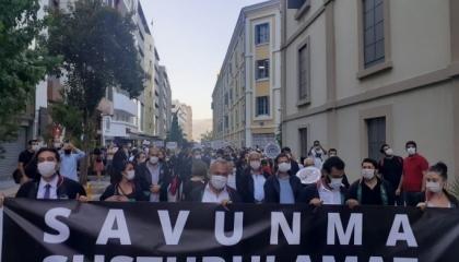 شرطة أردوغان تعترض مسيرة المحامين الأتراك للتنديد بالسيطرة على النقابات