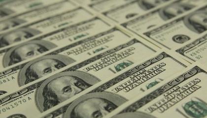 الليرة التركية تواصل تقلباتها الجنونية أمام الدولار واليورو