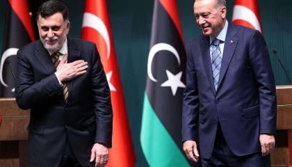 رويترز: وفد من رجال الأعمال الأتراك يزور ليبيا لبحث إعادة الإعمار ميدانيًا