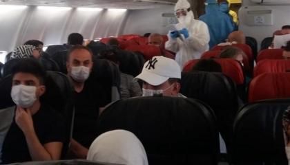 ذعر بين ركاب طائرة تركية بعد ظهور أعراض كورونا على مسافر خلال الرحلة