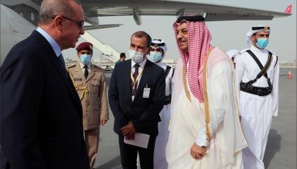عاجل.. وصول الرئيس التركي إلى الدوحة للقاء حليفه القطري