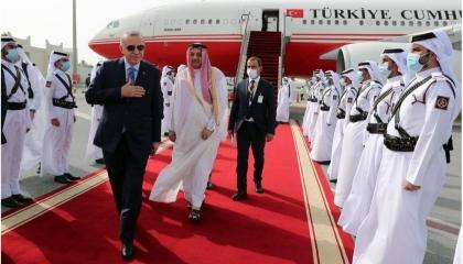 قطريون يهاجمون أردوغان: جاء إلى الدوحة لنهب أموال الإمارة