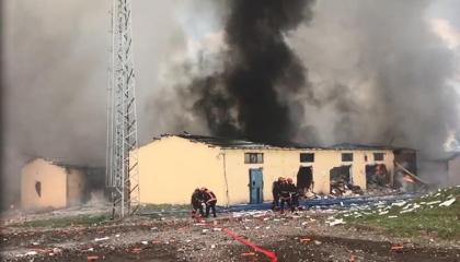 إصابة 56 عاملًا تركيًا على الأقل في انفجار مصنع ألعاب نارية بصقاريا