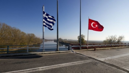 اليونان تُعيد إغلاق حدودها مع تركيا بسبب فيروس كورونا