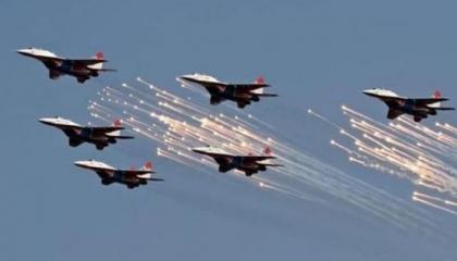بعد قاعدة الوطية.. الجيش الليبي يقصف آليات تابعة للميليشيات ببراك الشاطئ