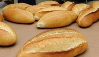 بسبب انهيار الليرة.. إسطنبول تطبق زيادة جديدة على سعر رغيف الخبز