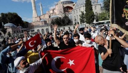 أزمة «آيا صوفيا» تتصدر عناوين الصحف العالمية: قرار استفزازي