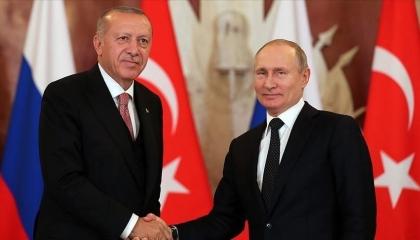 أردوغان يجري اتصالًا هاتفيًا ببوتين لمناقشة الوضع في سوريا وليبيا