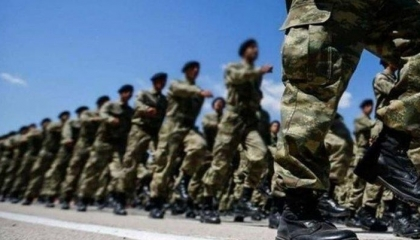 إصابة جنديين تركيين في هجوم شنه مجهولون على قاعدة عسكرية بإدلب