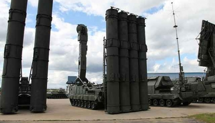 فيديوجراف.. الجيش الليبي ينشر منظومة «S-300» الروسية