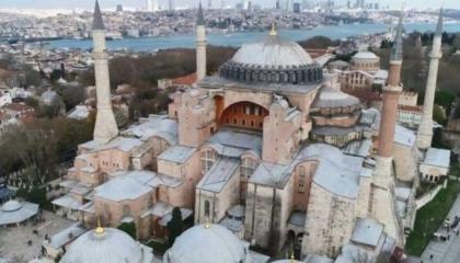 رئيس الشؤون الدينية التركية يؤم صلاة الجمعة الأولى بـ«آيا صوفيا»