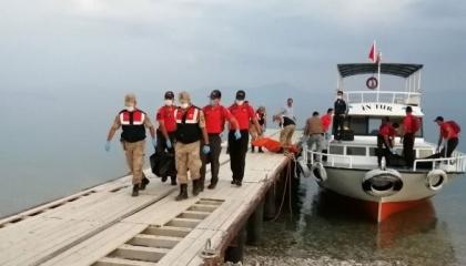 ارتفاع ضحايا قارب الهجرة غير الشرعية ببحيرة فان التركية إلى 54