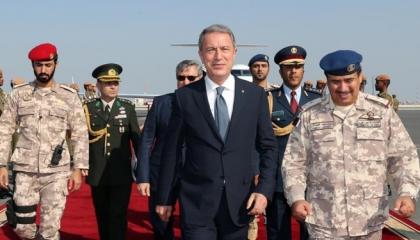 كم سيدفع تميم؟ وزير الدفاع التركي يلتقي أمير قطر