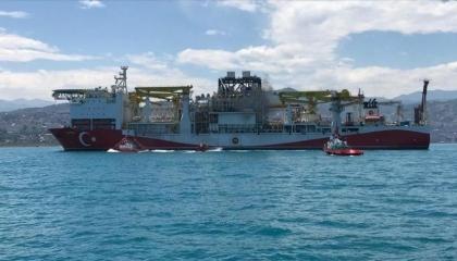 سفينة الفاتح التركية تبدأ أولى عمليات التنقيب في البحر الأسود
