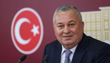 تأديب وفصل برلماني حليف للأردوغان بسبب دفاعه عن منتجي البندق