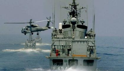 البحرية اليونانية: استعدادات متزايدة لمواجهة أنشطة تركيا غير الشرعية