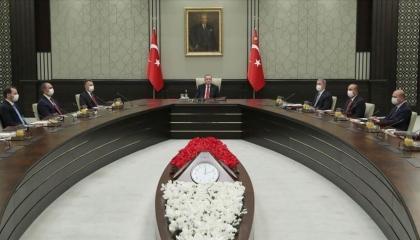 بالأرقام.. أردوغان يُطيح بقيادات الجيش التركي ويُرقي أتباعه