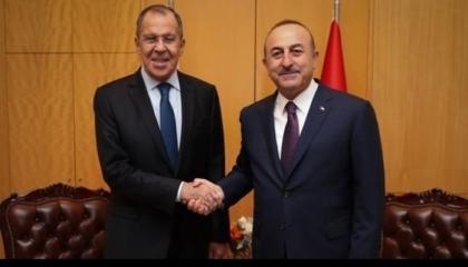 وزير الخارجية التركي يجري اتصالًا بنظيره الروسي