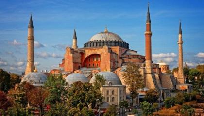 اليونان تتهم تركيا بالتحول إلى دولة متعصبة والأخيرة ترد: أثينا تهين الإسلام