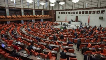 البرلمان التركي يطالب حكومة أردوغان بكشف حقيقة إرسال طائرات حربية لكاراباخ