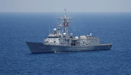 الجيش الليبي: رصد 5 فرقاطات تركية وسفينة إمداد قبالة ساحل مصراتة