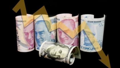 بلومبرج: البنوك التركية خصصت 2 مليار دولار  في يومين للدفاع عن سعر الليرة