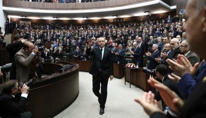 برلمان أردوغان يقر قانونًا مثيرًا للجدل لــ«خنق» مواقع التواصل الاجتماعي