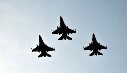 طائرات تركية من طراز «إف 16» تصل إلى أذربيجان بعد مكالمة بين أردوغان وعلييف