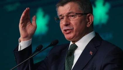 بالفيديو.. داود أوغلو يهاجم أردوغان بسبب التضييق على السوشيال ميديا