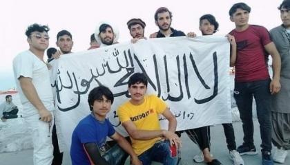 بالفيديو: رايات حركة «طالبان» ترفرف على الشواطئ التركية في العيد