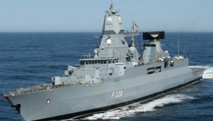 فرقاطة ألمانية تتجه إلى المتوسط لتنفيذ «مهمة في ليبيا» على متنها 250 جنديًا