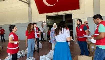صحيفة تركية تفضح استغلال حزب أردوغان لجمعية «الهلال الأحمر» سياسيًا