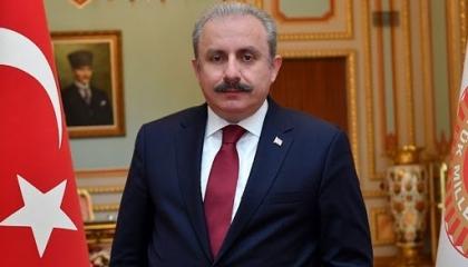 رئيس البرلمان التركي يهاجم فرنسا: آخر دولة يحق لها التحدث عن حقوق الإنسان