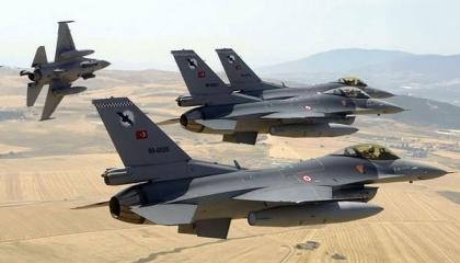 طائرات تركية انتهكت المجال الجوي اليوناني 33 مرة في يوم واحد