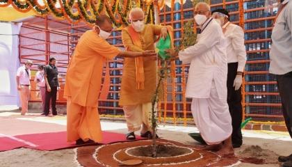 اقتداءً بآيا صوفيا.. الهند تضع حجر أساس معبد هندوسي على أنقاض مسجد بابري