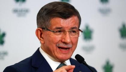 داود أوغلو للمدافعين عن صهر أردوغان: وظيفتكم حماية شرف الوطن وليس الوزير