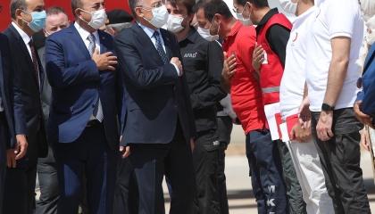 وزير الخارجية اللبناني يستقبل نظيره التركي بمطار رفيق الحريري