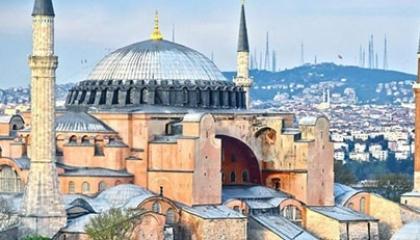 حزب تركي معارض يطالب الحكومة بإلغاء قرار تحويل «آيا صوفيا» إلى مسجد
