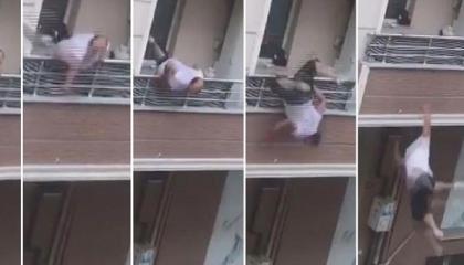 بالفيديو.. شاب تركي يسقط من شرفة منزله خلال مشاجرة عائلية