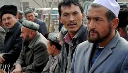 فيديوجراف: صحيفة بريطانية تفضح صفقة أردوغان لتسليم مسلمي الإيجور للصين