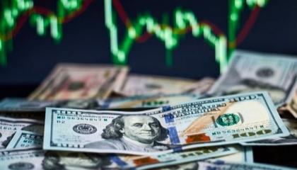 انهيار جديد لليرة.. الدولار الأمريكي يصل إلى 7.35 أمام العملة التركية
