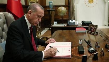 فضيحة تركية.. أردوغان يطيح بـ16 من رؤساء الجامعات لتورطهم في قضايا فساد
